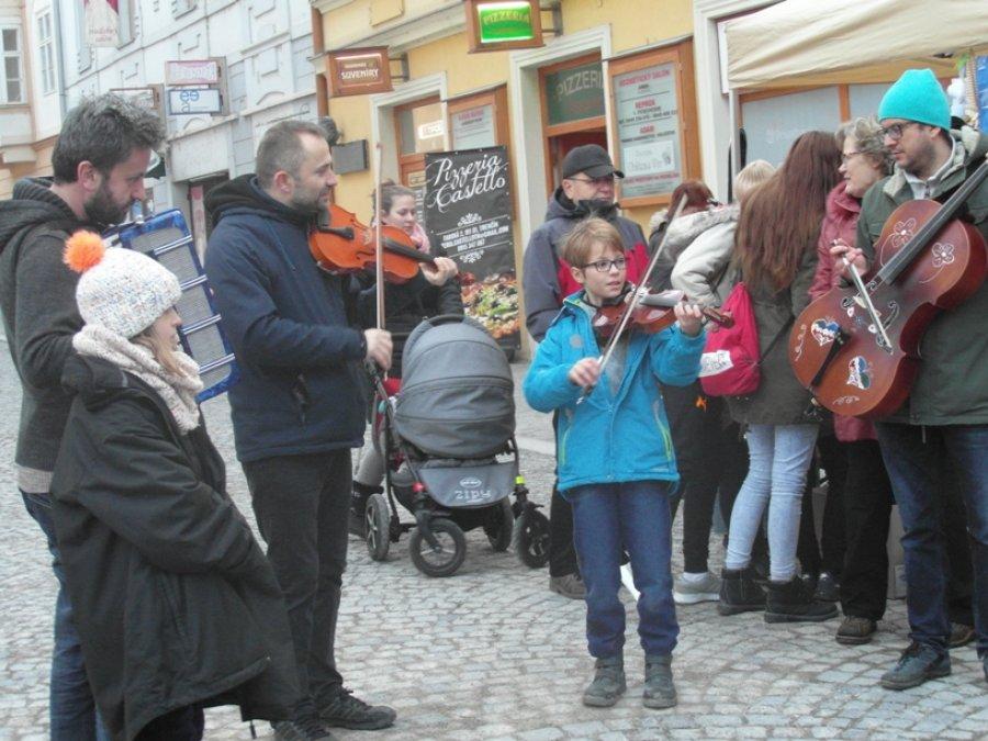 The Good Bazaar – Spreading Joy at the Christmas Fair